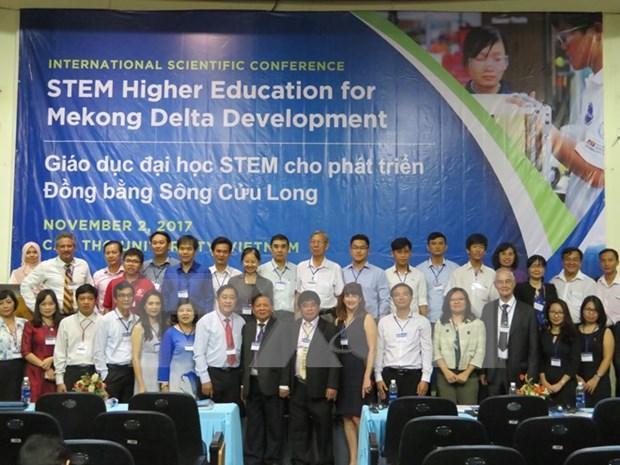 Vietnam busca reformar sistema educativo en correspondencia con cuarta revolucion industrial hinh anh 1