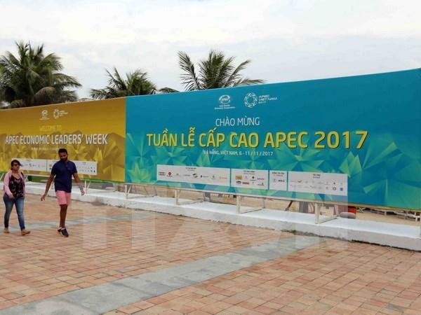 Representantes y corresponsales internacionales destacan preparativos de Vietnam para APEC 2017 hinh anh 1