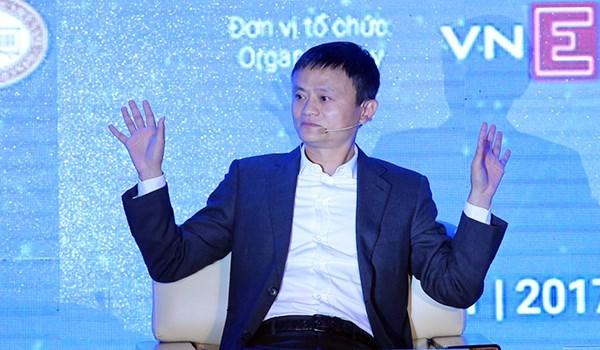 Premier vietnamita recibe a presidente del grupo chino Alibaba hinh anh 1