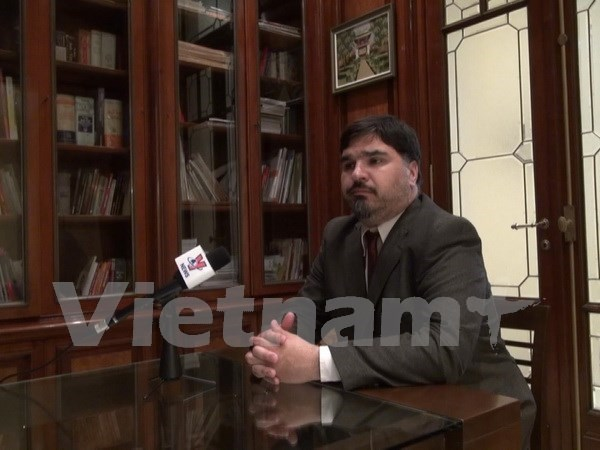 Experto argentino destaca activa politica de apertura comercial de Vietnam hinh anh 1