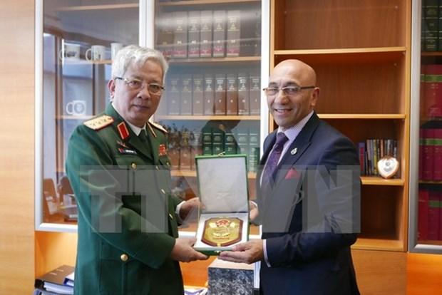 Vietnam y Nueva Zelanda profundizan lazos en defensa hinh anh 1