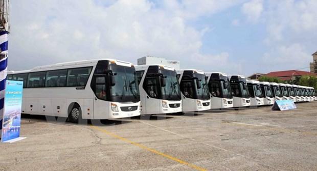 Ponen en servicios autobuses lanzadera para facilitar transportacion de delegados en APEC 2017 hinh anh 1