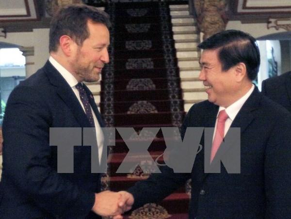 Ciudad Ho Chi Minh promueve cooperacion comercial y cultural con Reino Unido hinh anh 1