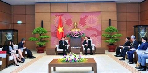 Vicepresidente del Parlamento de Vietnam recibe a vicepresidente de Exxon Mobil hinh anh 1