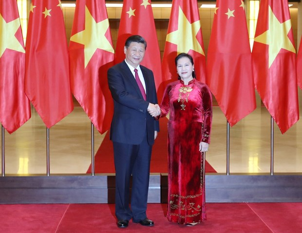 Presidenta del Parlamento de Vietnam se reune con Xi Jinping hinh anh 1