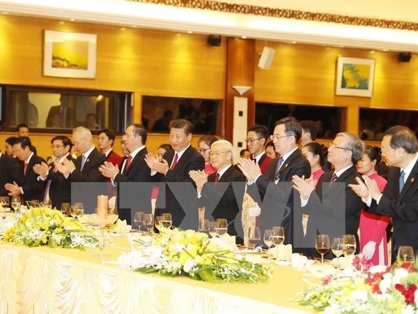 Maximo dirigente partidista vietnamita destaca relacion amistosa tradicional con China hinh anh 1