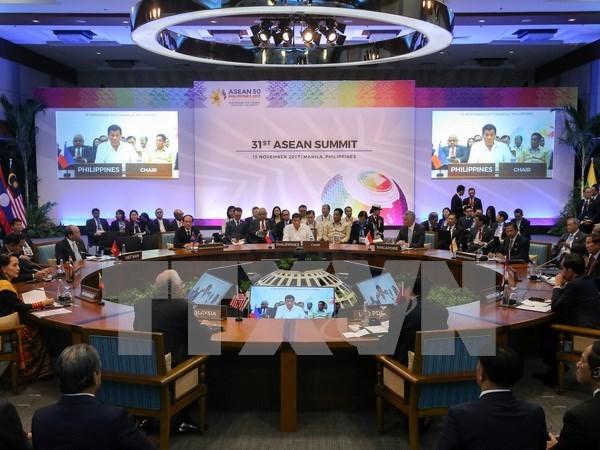 Premier vietnamita asiste a inauguracion de XXXI Cumbre de ASEAN en Filipinas hinh anh 1