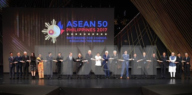 Inicia en Filipinas XXXI Cumbre de ASEAN hinh anh 1