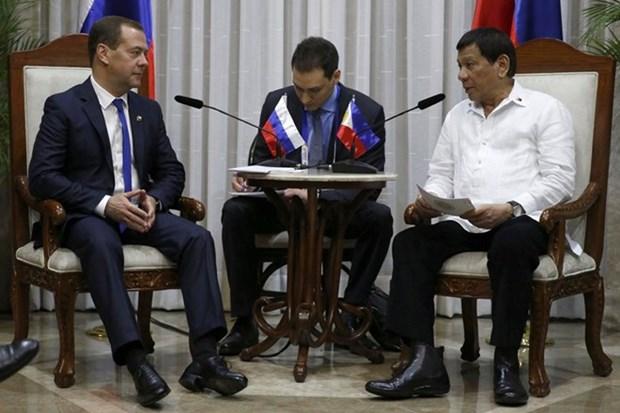 Filipinas y Rusia buscan ampliar intercambio comercial y cooperacion en defensa hinh anh 1