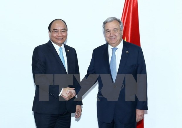 Premier vietnamita se reune en Manila con lideres de ONU y Consejo Europeo hinh anh 1