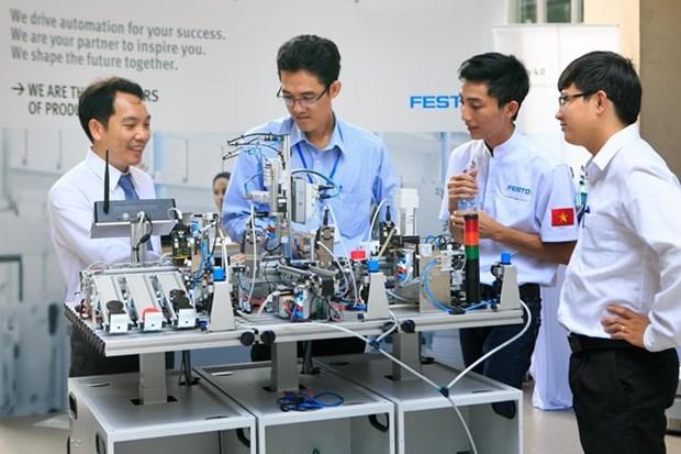 Debaten en Vietnam sobre desafios de la cuarta revolucion industrial para los auditores hinh anh 1