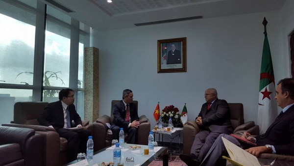Vietnam y Argelia buscan promover cooperacion economica hinh anh 1