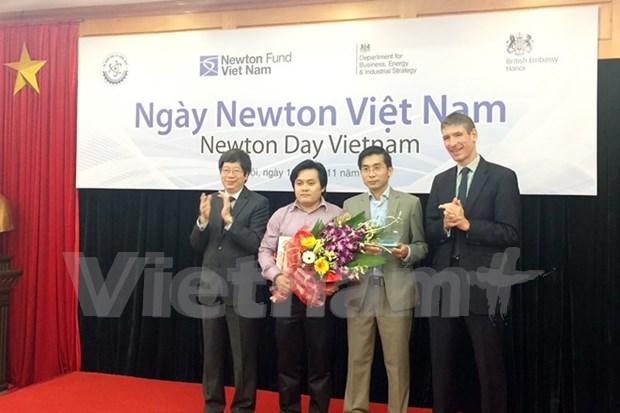 Programa Newton en Vietnam, muestra de lazos positivos con Reino Unido en ciencia- tecnologia hinh anh 1