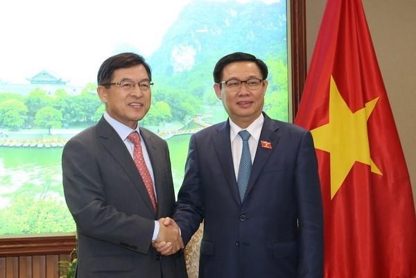 Destacan asistencia de Samsung al desarrollo de industrias auxiliares en Vietnam hinh anh 1
