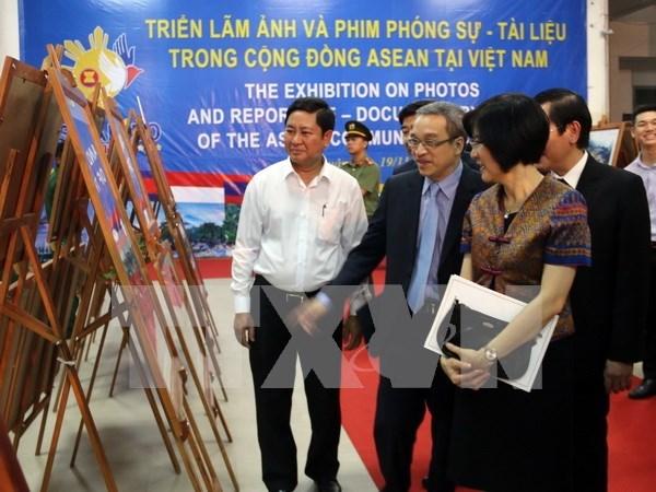 Realizan exposicion de fotos y reportajes sobre ASEAN en provincia vietnamita de Ninh Thuan hinh anh 1