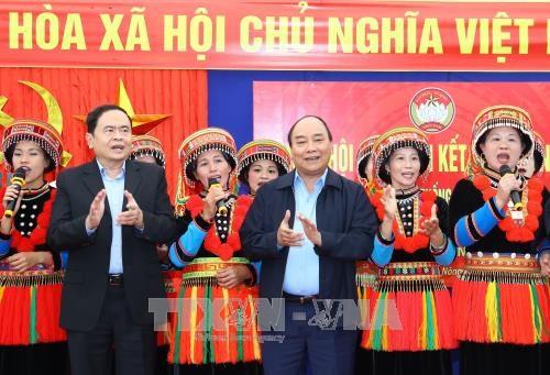 Premier vietnamita asiste a Fiesta de unidad nacional en Bac Kan hinh anh 1