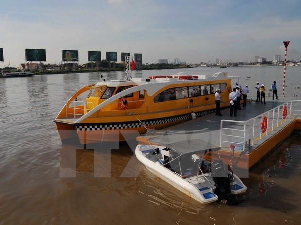 Pondran en servicio primera ruta de autobus fluvial en Ciudad Ho Chi Minh hinh anh 1