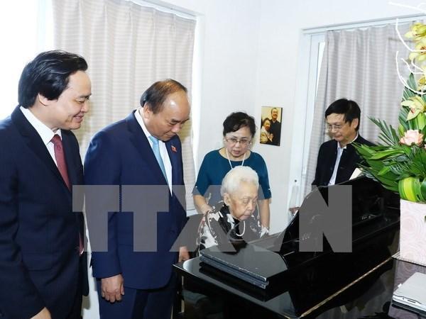 Premier felicita a pedagogos nacionales por el Dia del Maestro vietnamita hinh anh 1