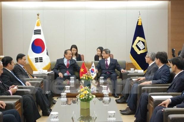 Viceprimer ministro de Vietnam realiza visita a Sudcorea hinh anh 1