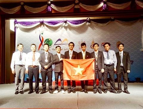 Vietnam gana dos medallas de plata en Olimpiada Internacional de Astronomia y Astrofisica hinh anh 1