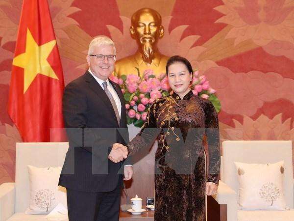 Maxima legisladora de Vietnam recibe al embajador de Australia hinh anh 1