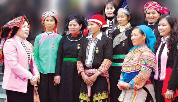 Vietnam impulsa igualdad de genero para desarrollo de las etnias minoritarias hinh anh 1