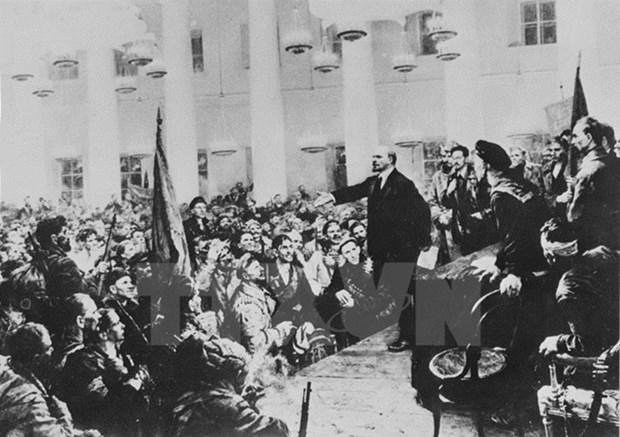 Inauguran exposicion sobre influencia de Revolucion de Octubre en Revolucion vietnamita hinh anh 1