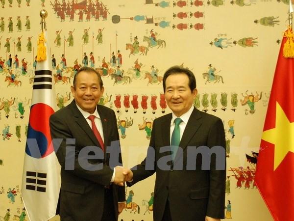 Vicepremier de Vietnam se reune con maximo legislador de Sudcorea hinh anh 1