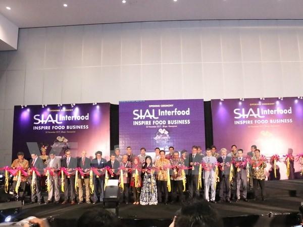 Feria SIAL InterFood: oportunidad para penetracion de productos vietnamitas en mercado indonesio hinh anh 1