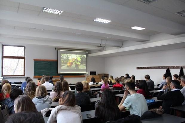 Destacan en Rumania los logros socioeconomicos de Vietnam hinh anh 1
