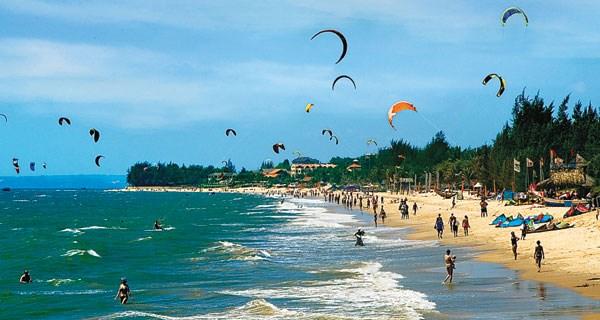 Provincia centrovietnamita de Binh Thuan se esfuerza por gestionar zonas costeras hinh anh 1