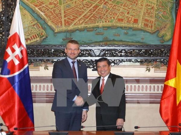 Vietnam y Eslovaquia por intensificar lazos multisectoriales hinh anh 1