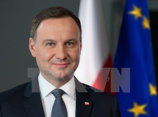 Presidente polaco destaca papel de exestudiantes vietnamitas al fomento de la solidaridad entre los dos pueblos hinh anh 1