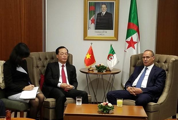 Vietnam y Argelia trazan directrices para futuros lazos agroacuicolas hinh anh 1