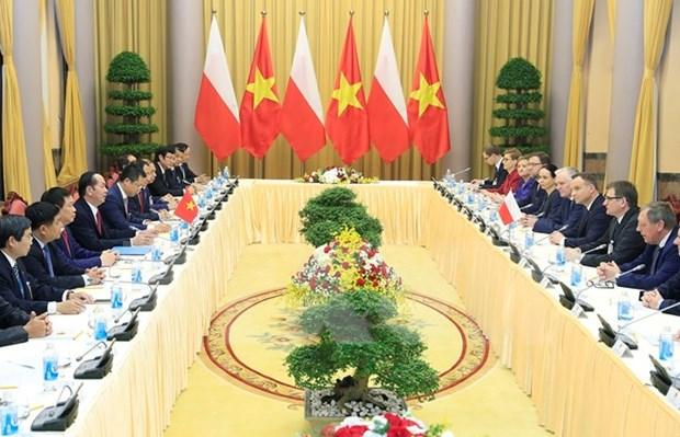 Presidente de Vietnam conversa en Hanoi con homologo polaco hinh anh 1