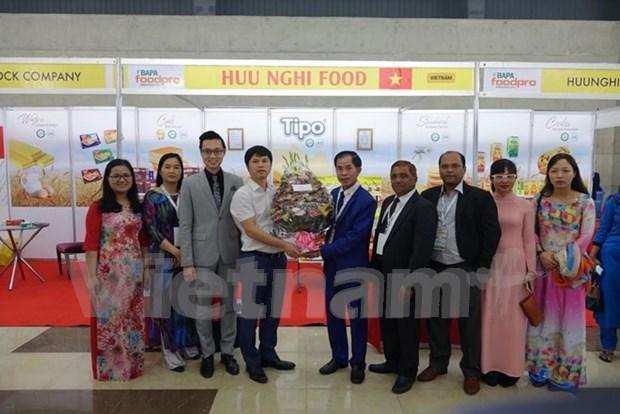 Productos vietnamitas conquistan al publico bangladeshi hinh anh 1