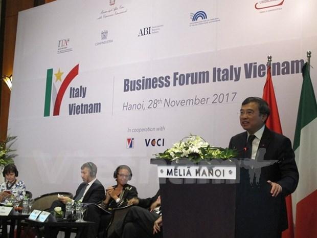 Intensifican cooperacion economica Vietnam-Italia hinh anh 1