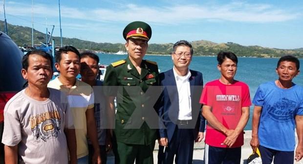 Filipinas repatria cinco pescadores vietnamitas hinh anh 1