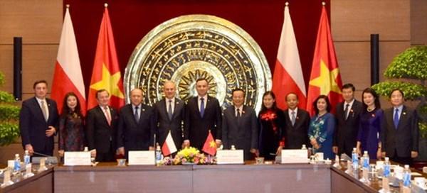 Vietnam y Polonia forjan cooperacion de parlamentarios de amistad hinh anh 1