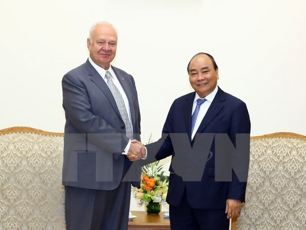 Vietnam prioriza lazos con Rusia, afirma premier Xuan Phuc hinh anh 1