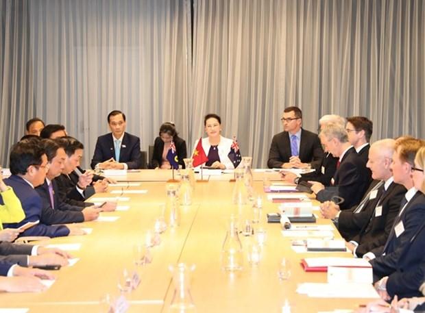 Vietnam mira hacia estandares de OCDE sobre entorno de negocios, dijo presidenta del Parlamento hinh anh 1