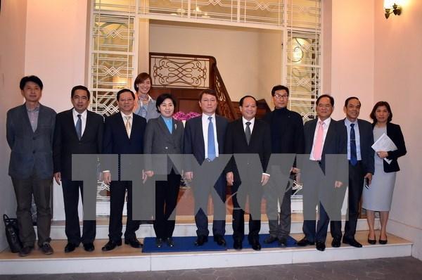 Ciudad Ho Chi Minh coopera con Sudcora en mejoramiento de calidad educacional hinh anh 1