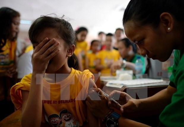 Filipinas suspende uso de vacuna Dengvaxia hinh anh 1