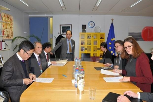 Vietnam y UE esforzados para acelerar conclusion de TLC bilateral hinh anh 1