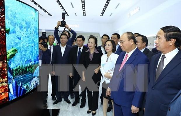 Premier inspecciona construccion de obras socioeconomicas importantes de Hai Phong hinh anh 1