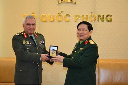 Vietnam y UE agilizan cooperacion en defensa hinh anh 1