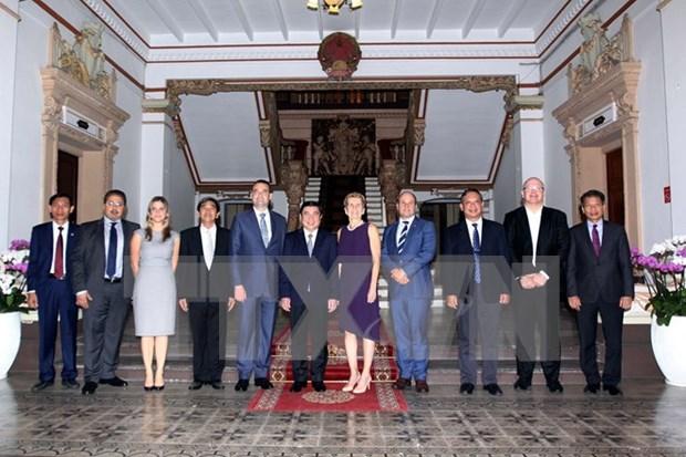 Ciudad Ho Chi Minh busca impulsar cooperacion en educacion con Ontario hinh anh 1