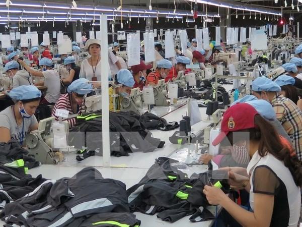 Exportaciones de confecciones textiles de Vietnam crecen 10 por ciento en 2017 hinh anh 1
