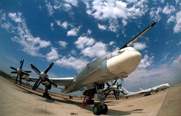 Rusia envia bombarderos estrategicos a Indonesia hinh anh 1