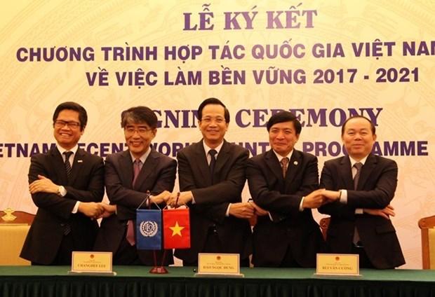 Vietnam y la OIT firman acuerdo de cooperacion sobre empleo sostenible hinh anh 1
